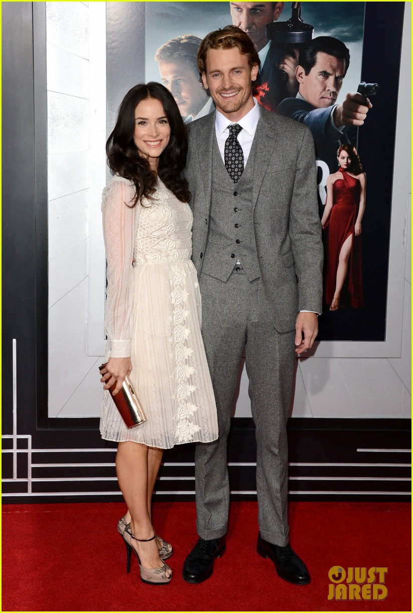 abigail spencer josh pence gangster squad premiere pair 01