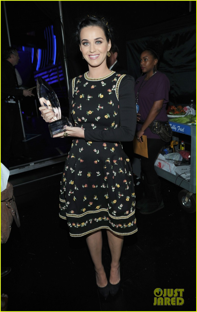 katy perry peoples choice awards 2013 winner 05