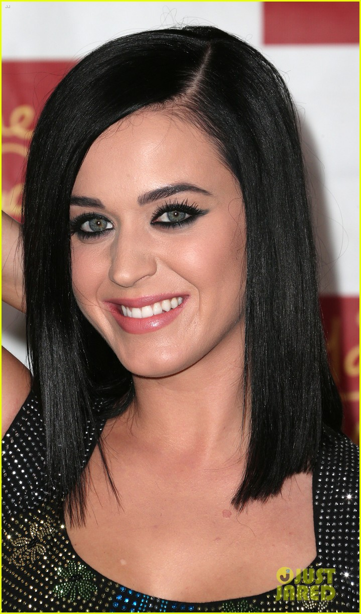 katy perry wax figure unveiled 07