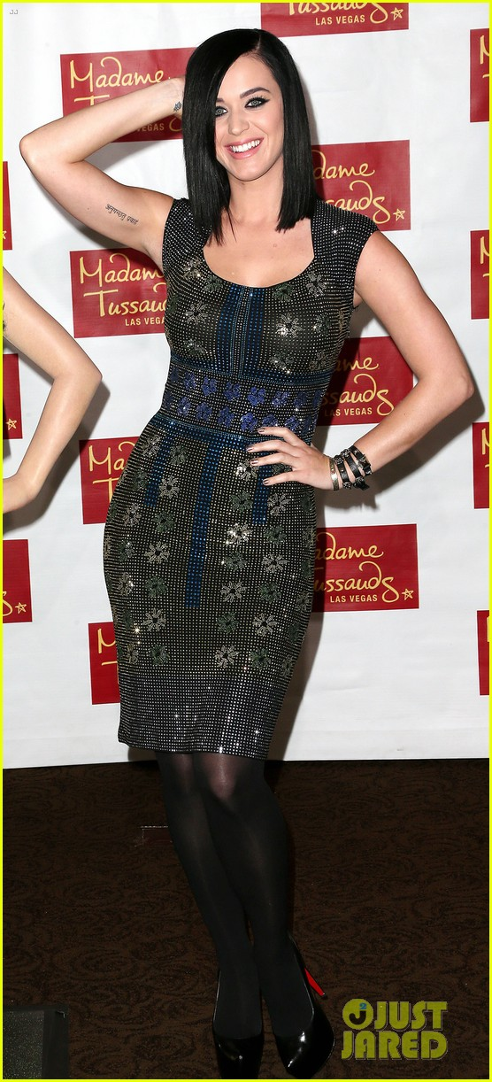 katy perry wax figure unveiled 09