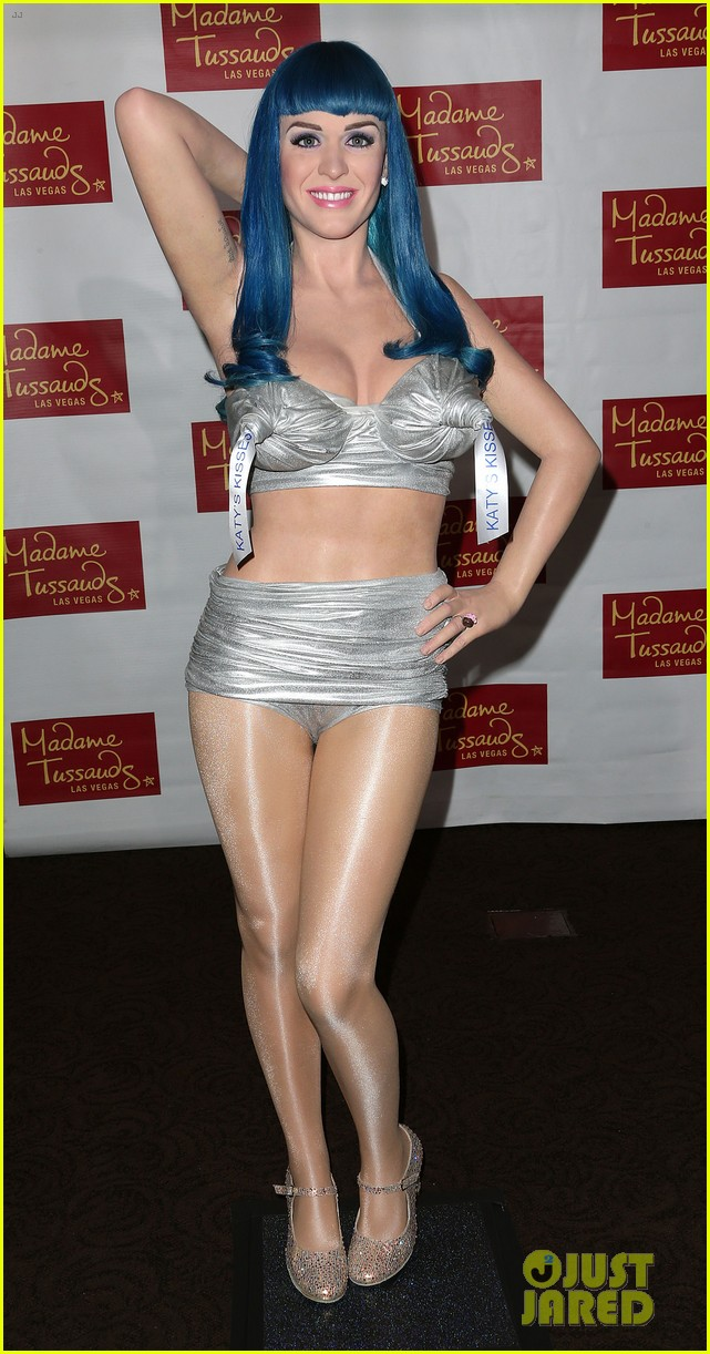 katy perry wax figure unveiled 11