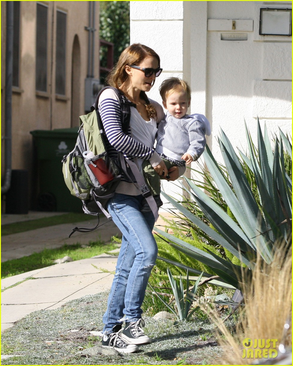 natalie portman aleph visit friends in beverly hills 01