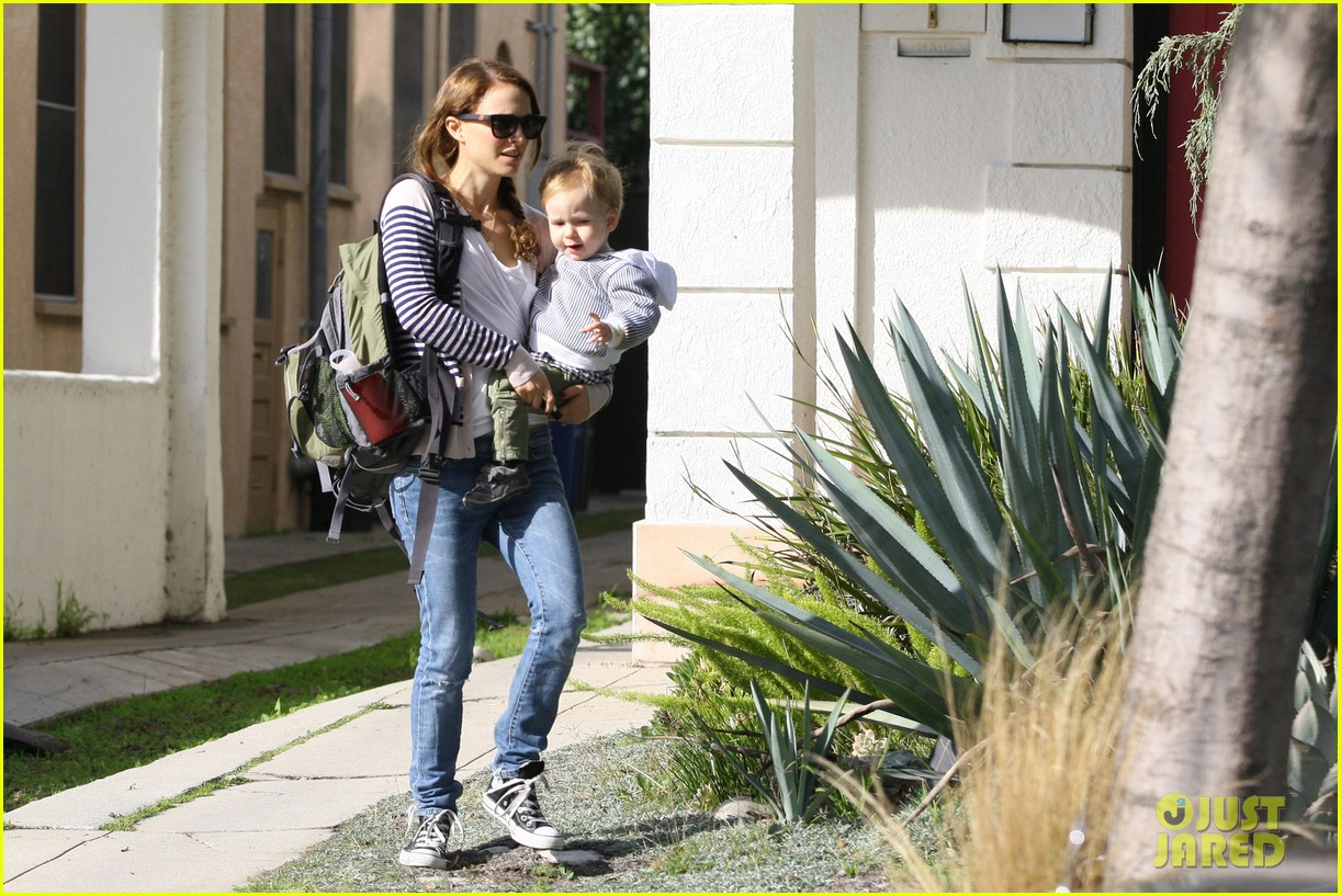 natalie portman aleph visit friends in beverly hills 05