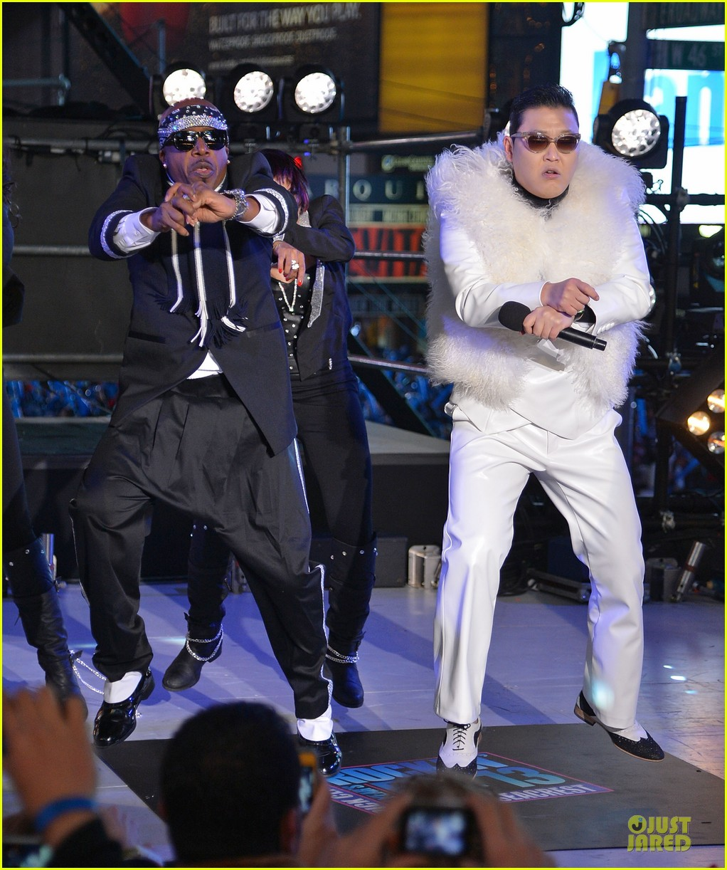 psy & mc hammer dick clark new year rockin eve wtih ryan seacrest duo 01