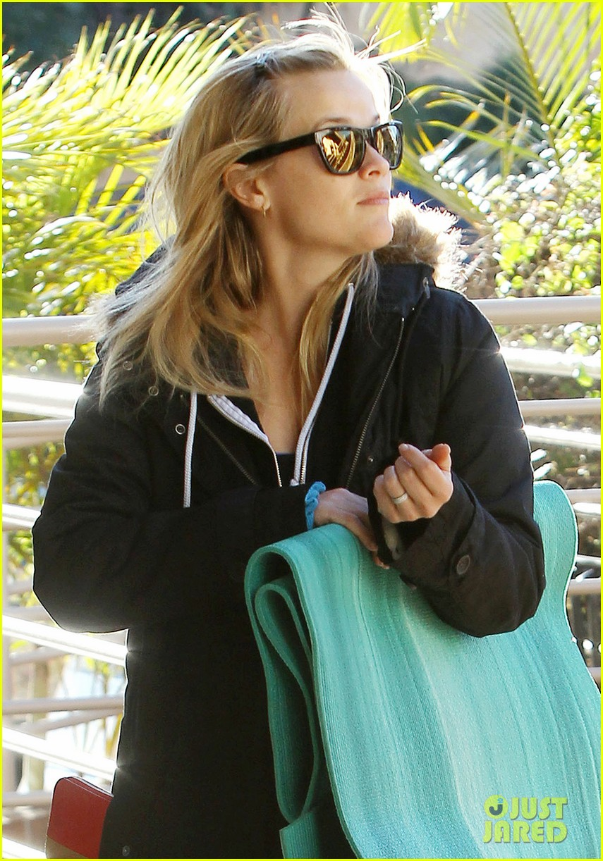 reese witherspoon to work with sofia vergara 04