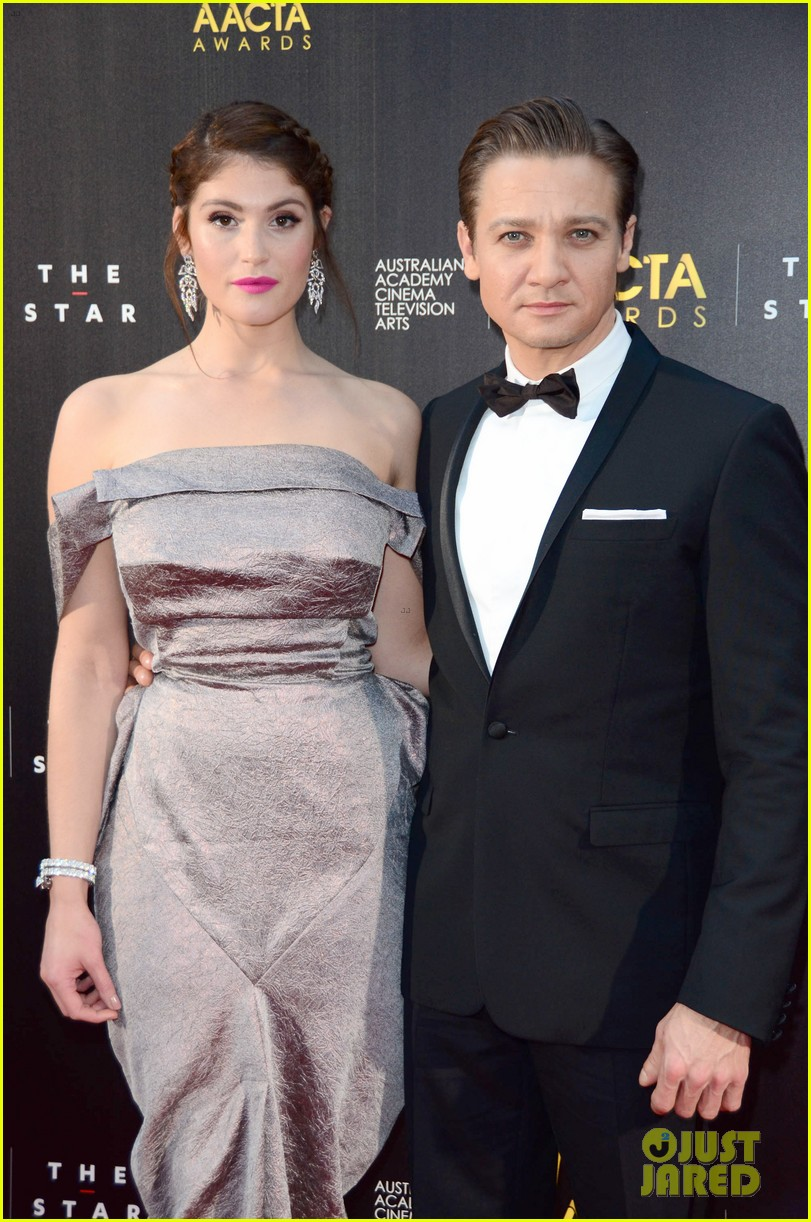 jeremy renner gemma arterton aacta awards attendees 04