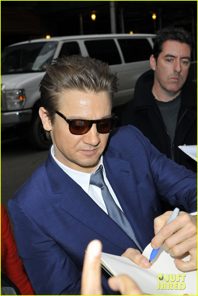 jeremy renner late show appearance 02