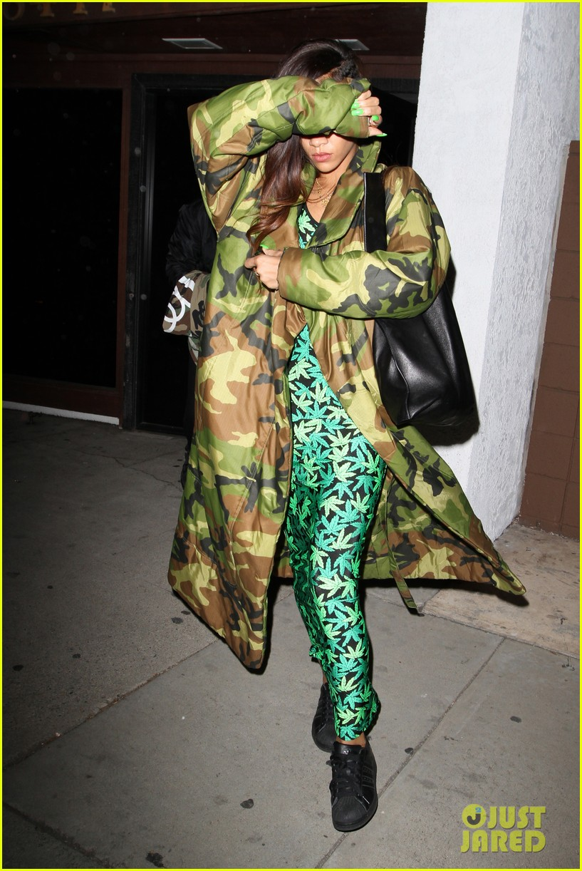 rihanna chris brown separate studio exits 10