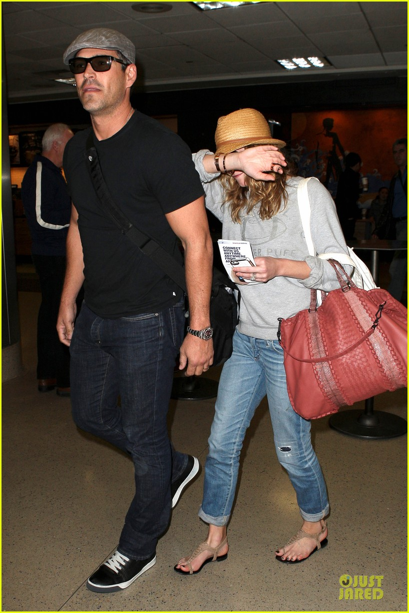 leann rimes traveling sick with eddie cibrian 01