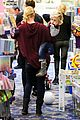gwen stefani gavin rossdale toy shopping with the kids 12