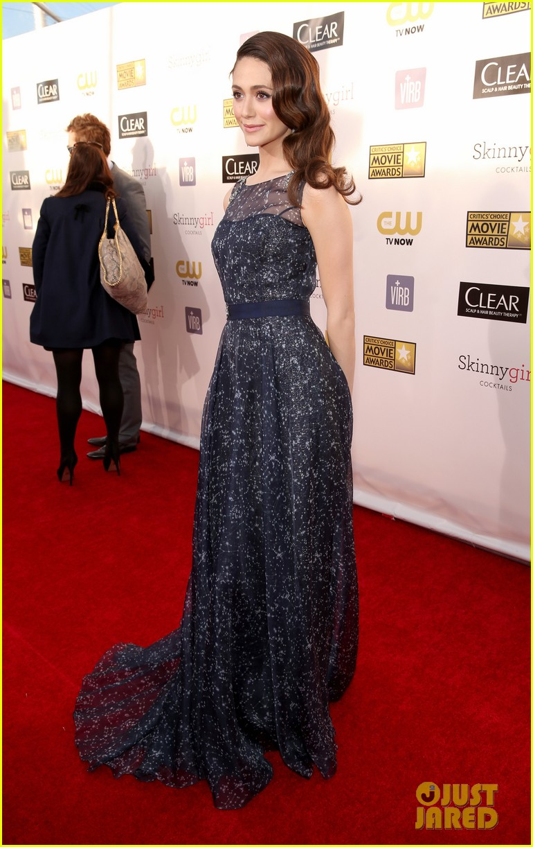 emmy rossum critics choice awards 2013 red carpet 04