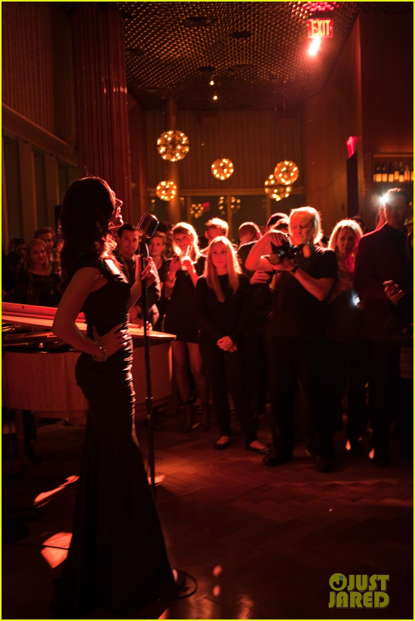 emmy rossum manhattan magazine cover party performance 03