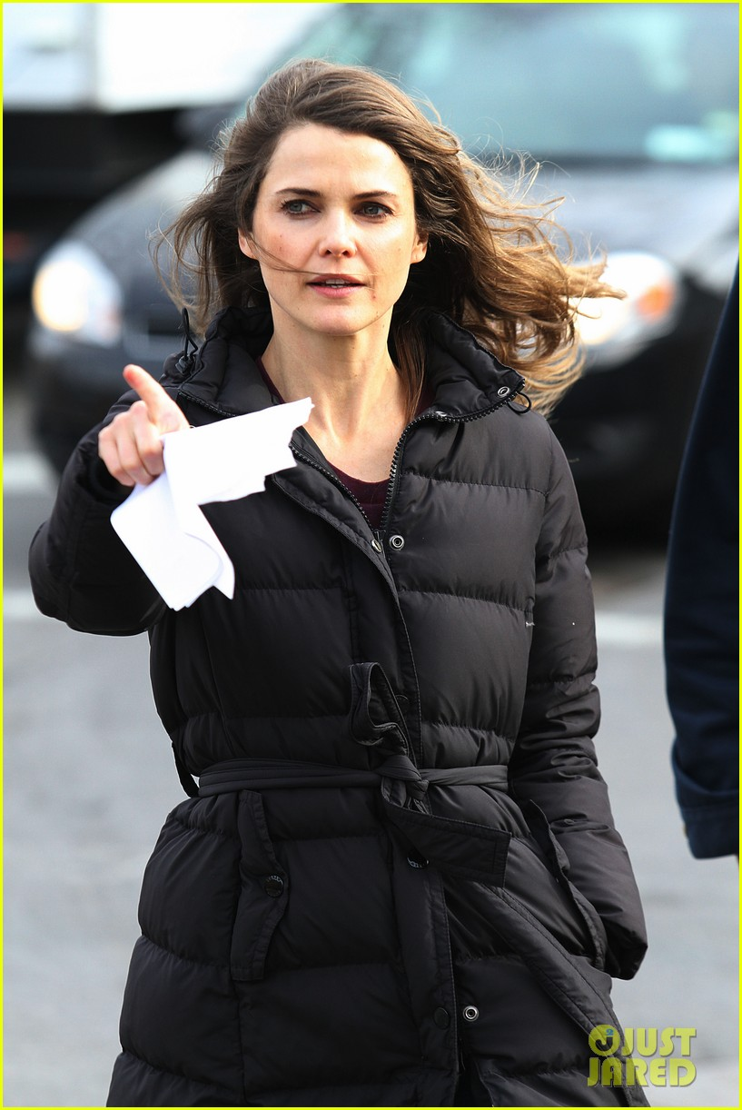 keri russell the americans pilot stills released 022784555