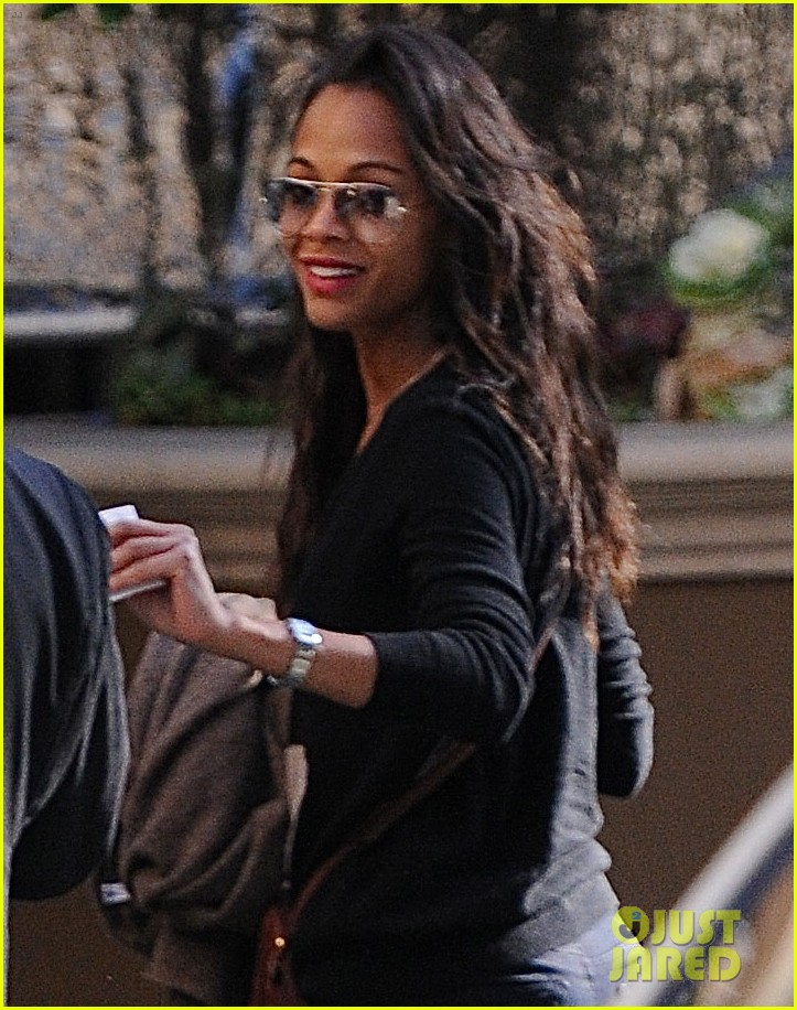 zoe saldana saturday stop roxy 02