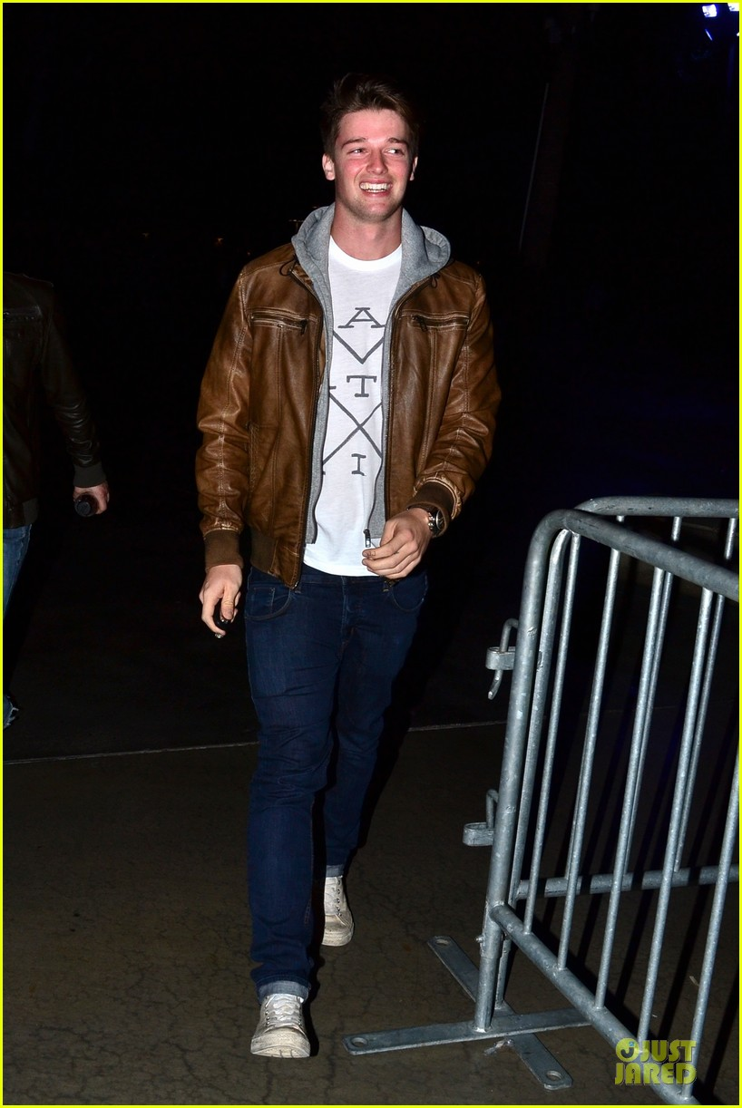 patrick schwarzenegger los angeles clippers game 03