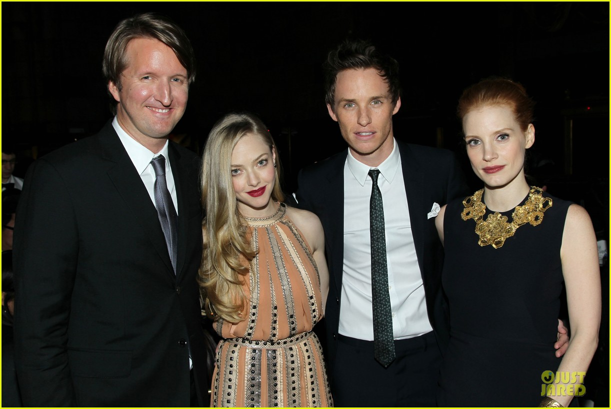 amanda seyfried & eddie redmayne nbr awards gala 2013 04