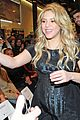 shakira gerard pique the wind and random book presentation 06