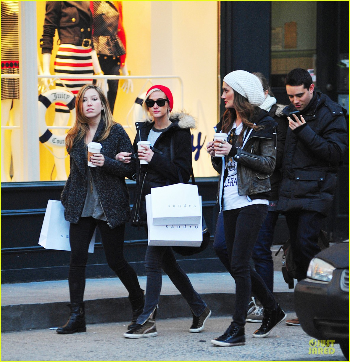 ashlee simpson beanie arrival in los angeles 022786467