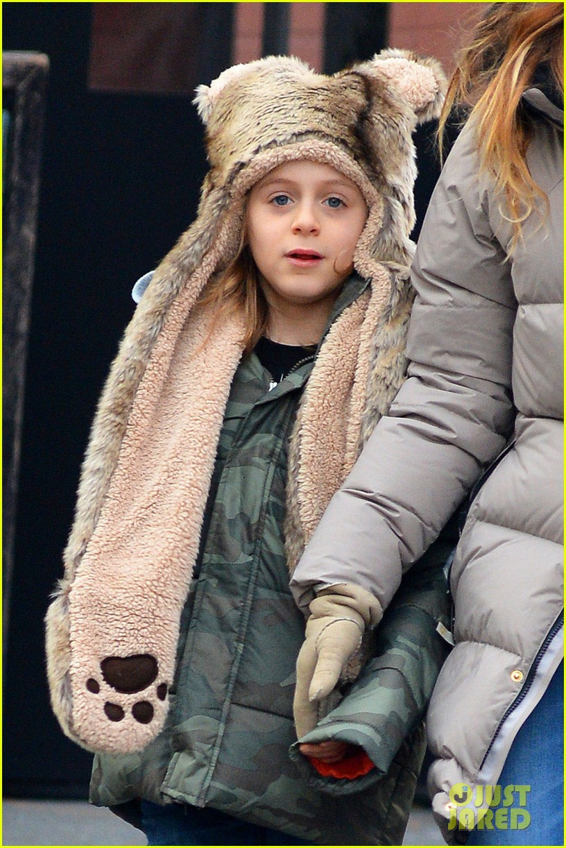 sarah jessica parker james wears bear hat 02