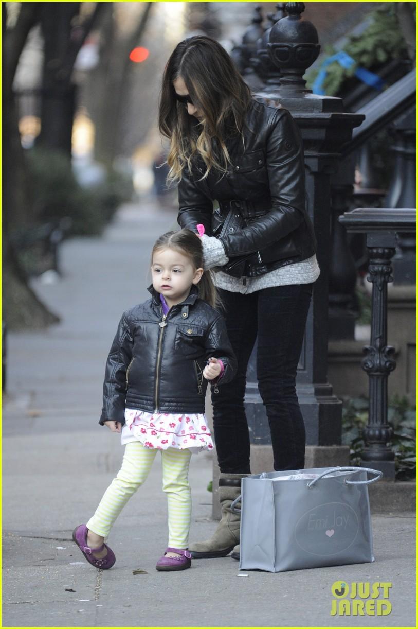 sarah jessica parker twins matching leather jackets 05