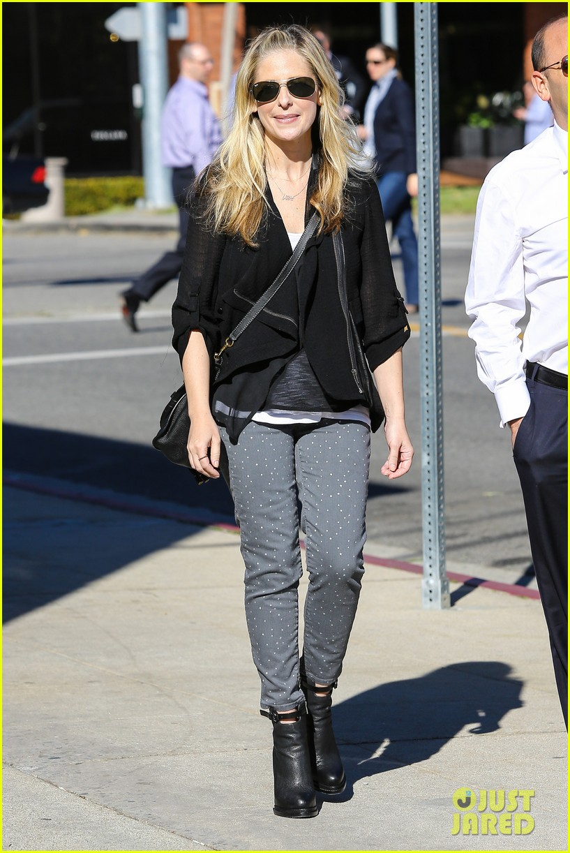 sarah michelle gellar tavern thursday lunch 10