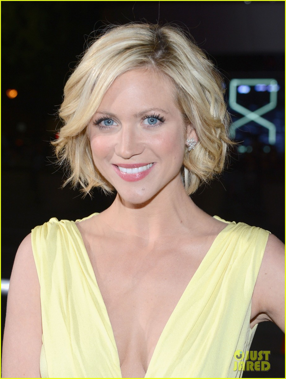 brittany snow peoples choice 2013 03