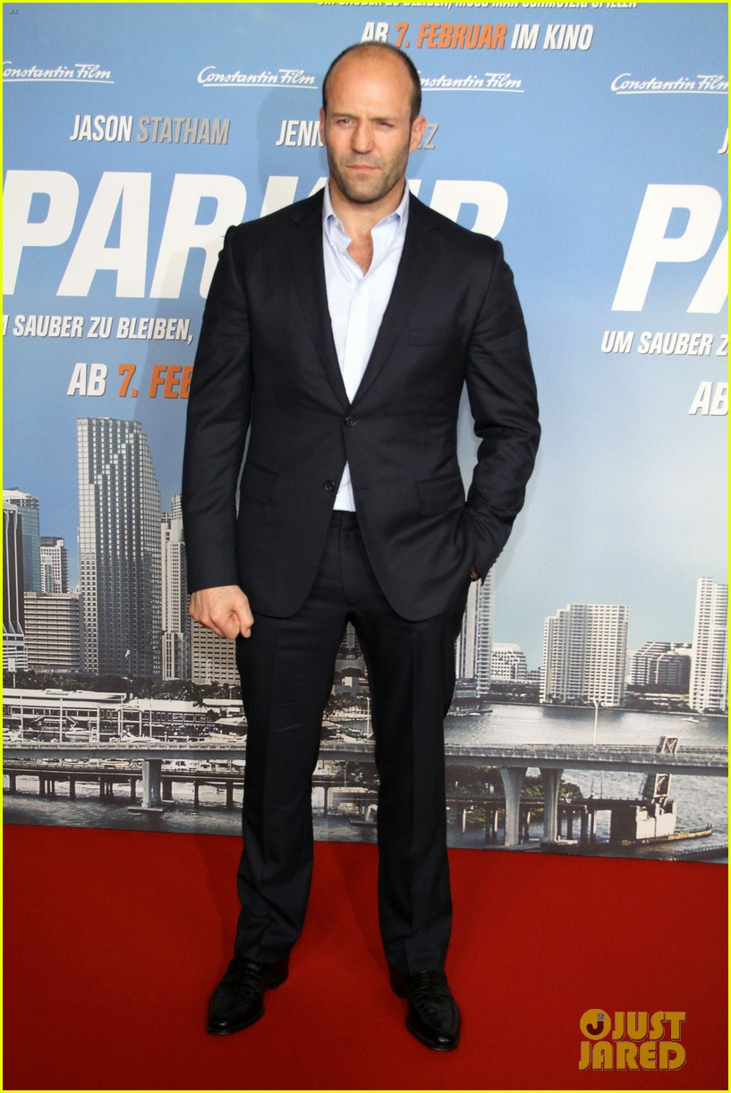 jason statham parker berlin moscow premieres 09