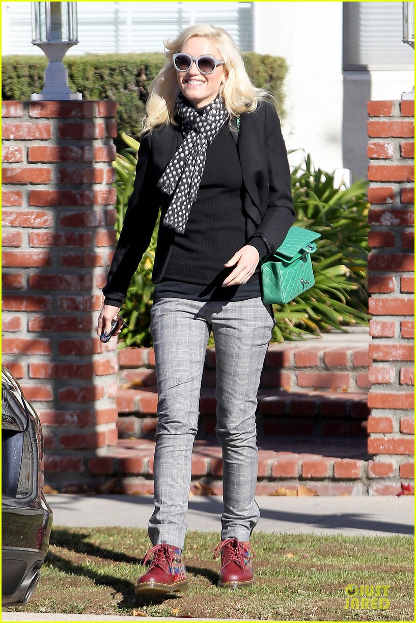 gwen stefani & gavin rossdale winter coffee couple 072786326
