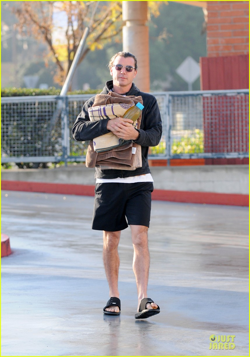 gwen stefani & gavin rossdale winter coffee couple 282786347