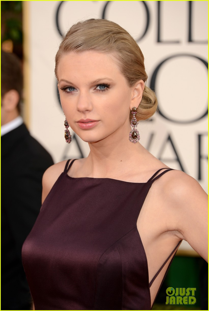taylor swift golden globes 2013 red carpet 03