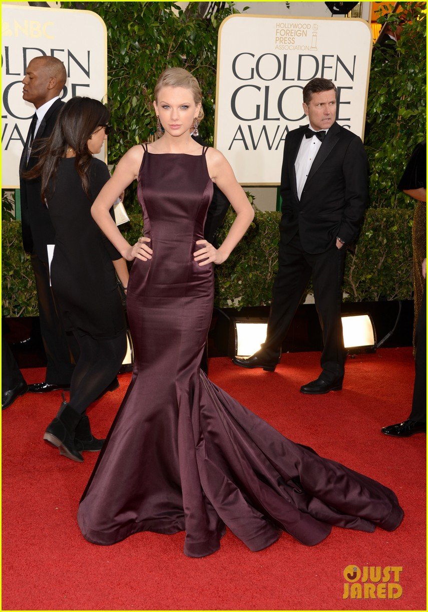 taylor swift golden globes 2013 red carpet 04