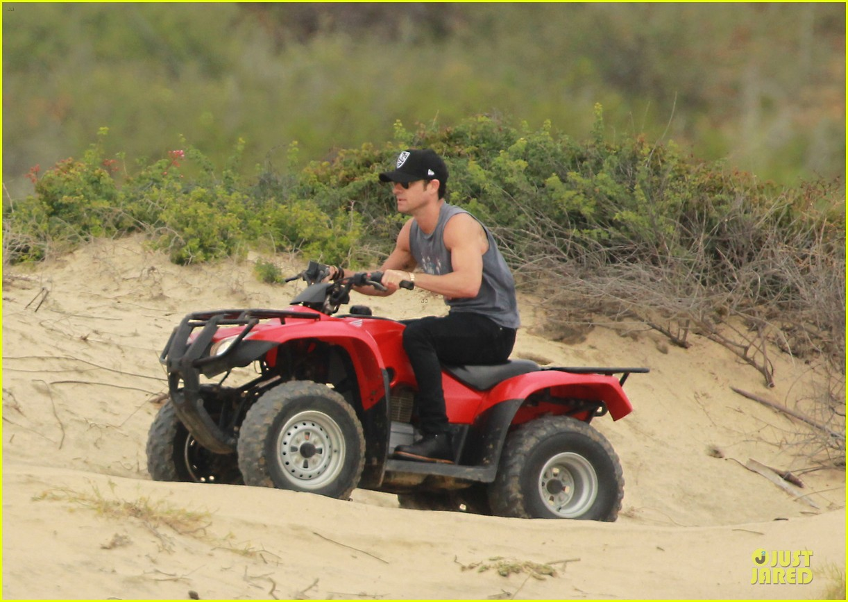 justin theroux new years eve atv riding 06