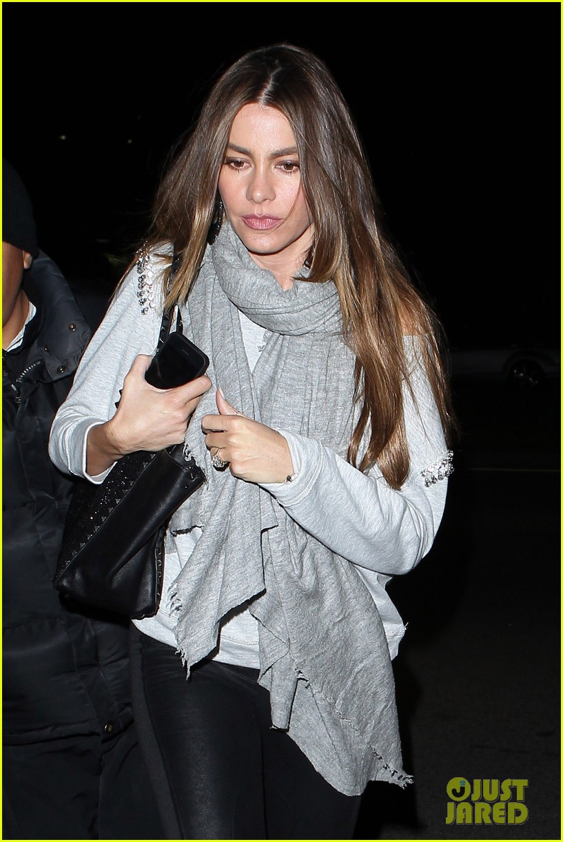 sofia vergara steps out post modern family sag win 022801336