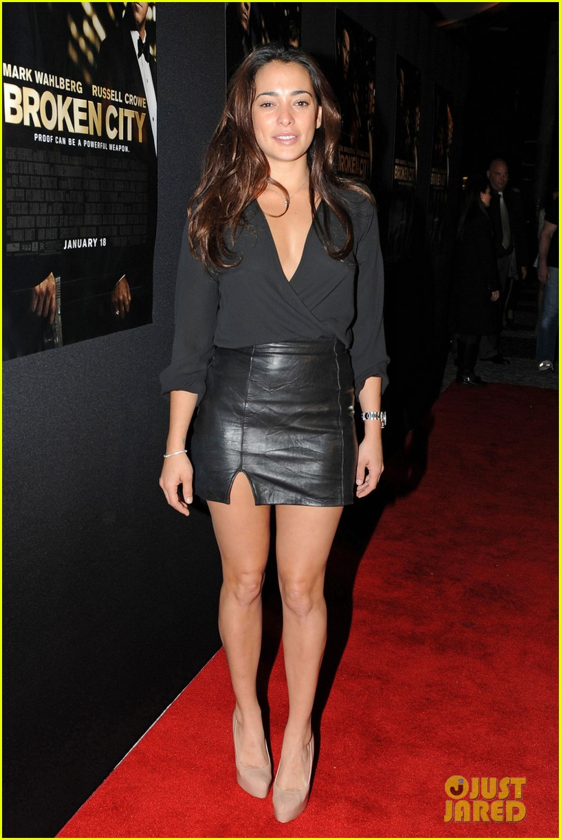 mark wahlberg natalie martinez broken city miami premiere 08