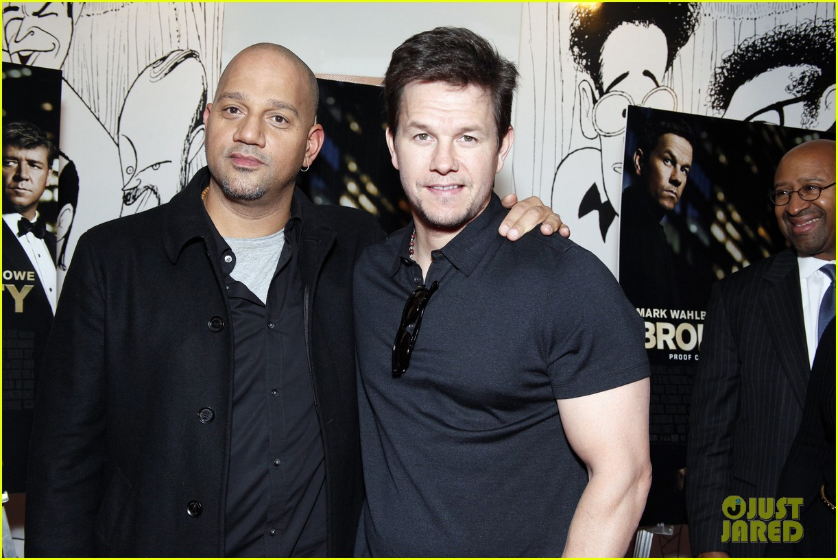 mark wahlberg natalie martinez broken city miami premiere 202788177