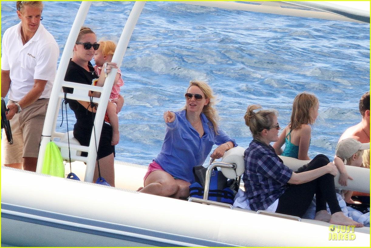 naomi watts boat ride with shirtless liev schreiber 05