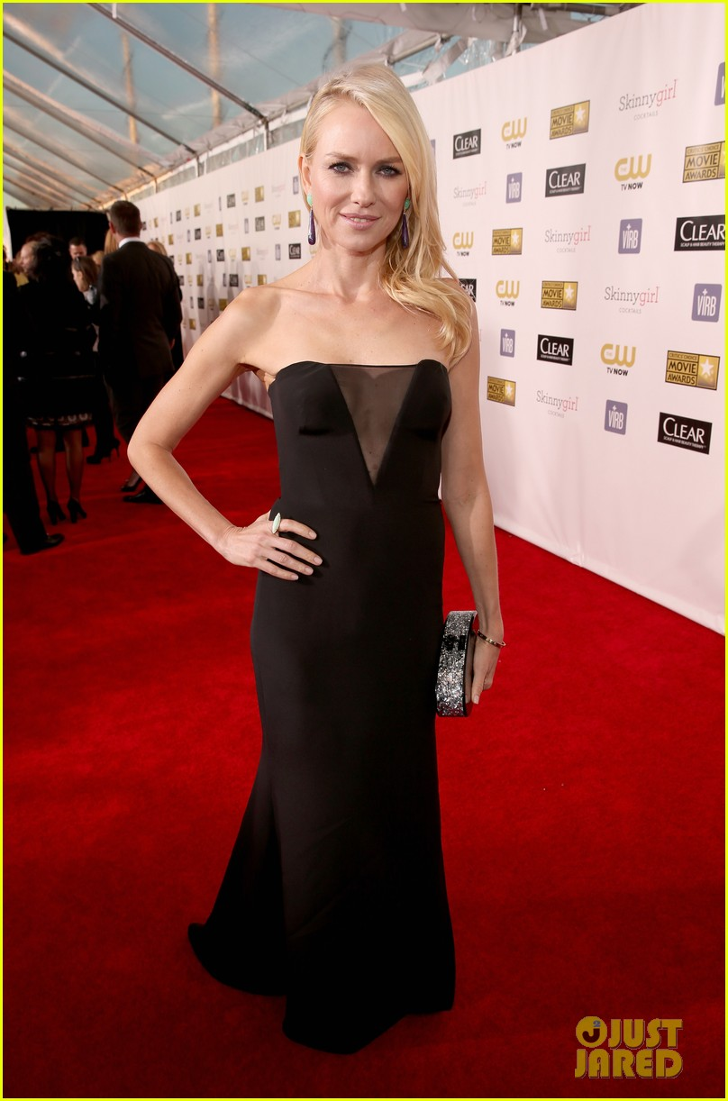 naomi watts liev schreiber critics choice awards 2013 01