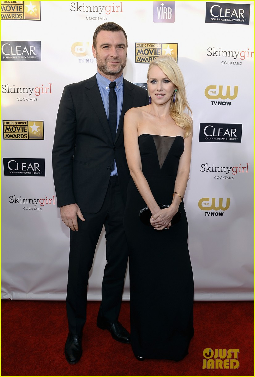naomi watts liev schreiber critics choice awards 2013 05