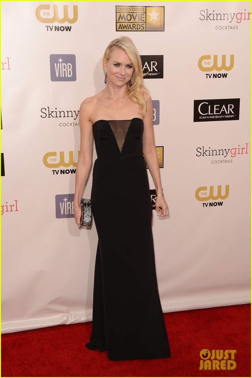 naomi watts liev schreiber critics choice awards 2013 09