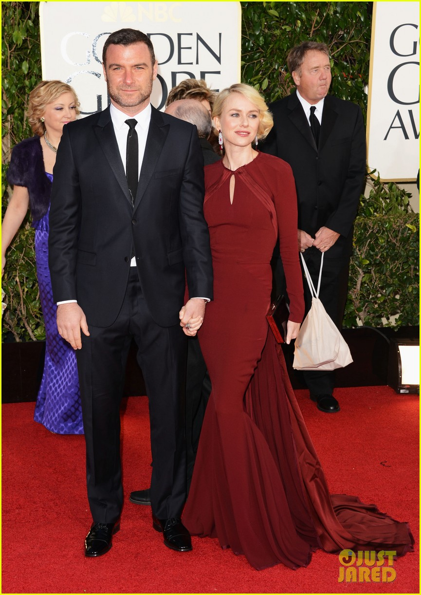 naomi watts liev schreiber golden globes 2013 red carpet 122791332