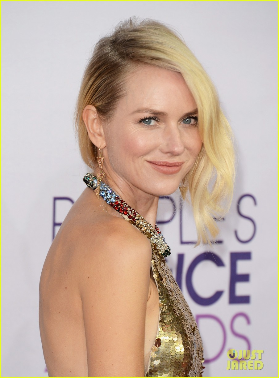 naomi watts peoples choice awards 2013 red carpet 072787818