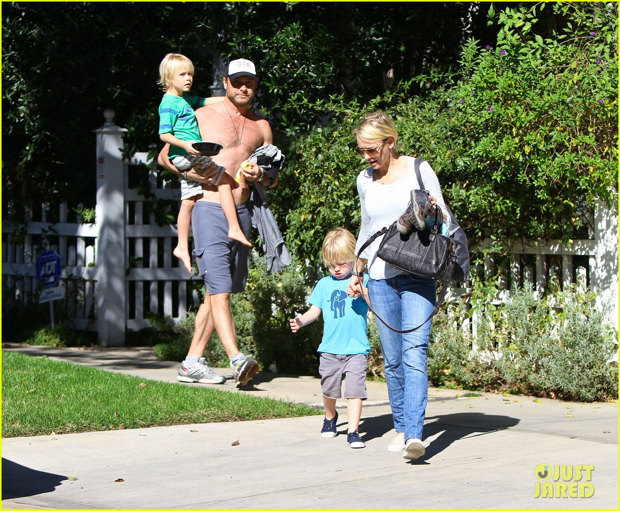 naomi watts liev schreiber sunday with kids 012796032