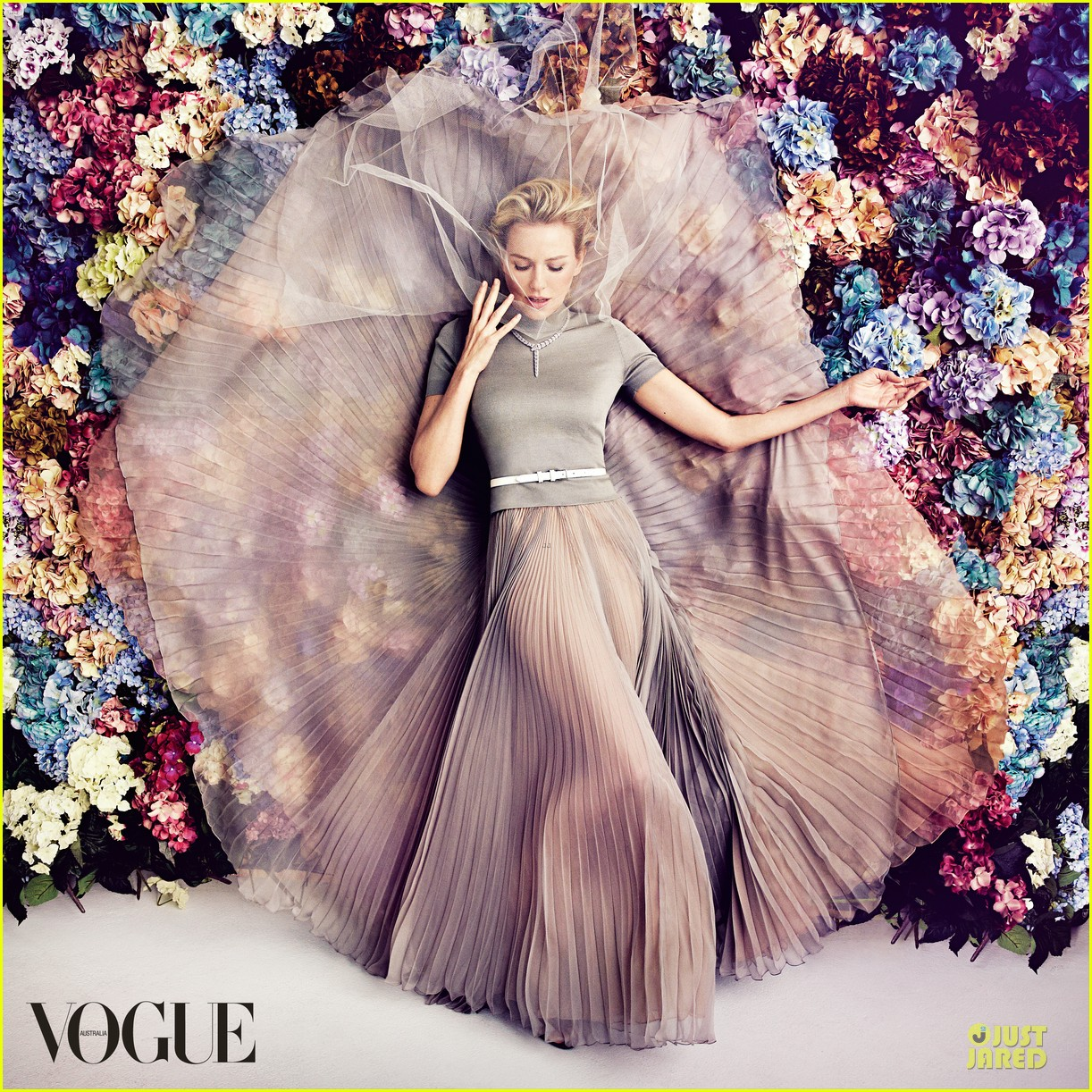 naomi watts covers vogue australia magazine february 2013 01