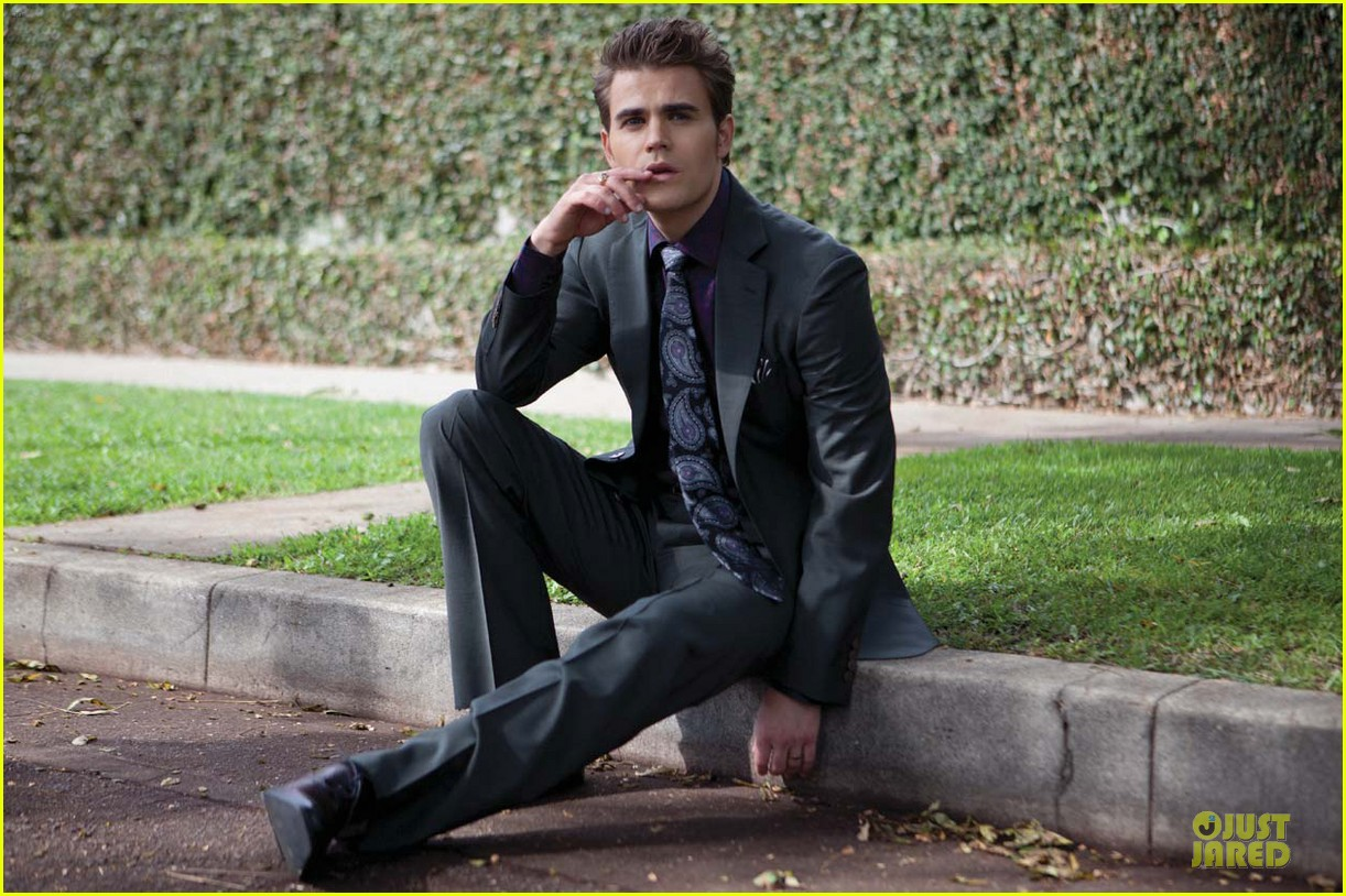 paul wesley bites august man magazine january 2013 05