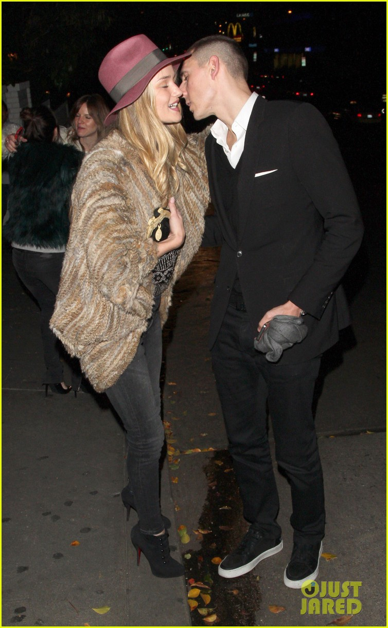 rosie huntington whiteley chateau marmont night out 05