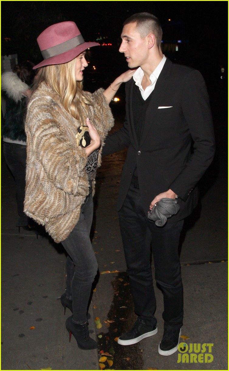 rosie huntington whiteley chateau marmont night out 06