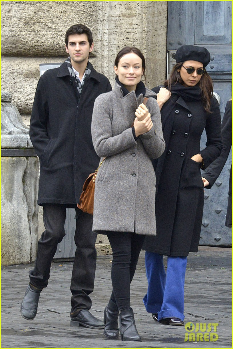 olivia wilde flashes engagement ring on third person set 01