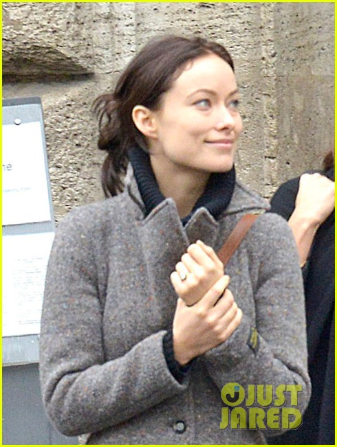olivia wilde flashes engagement ring on third person set 02
