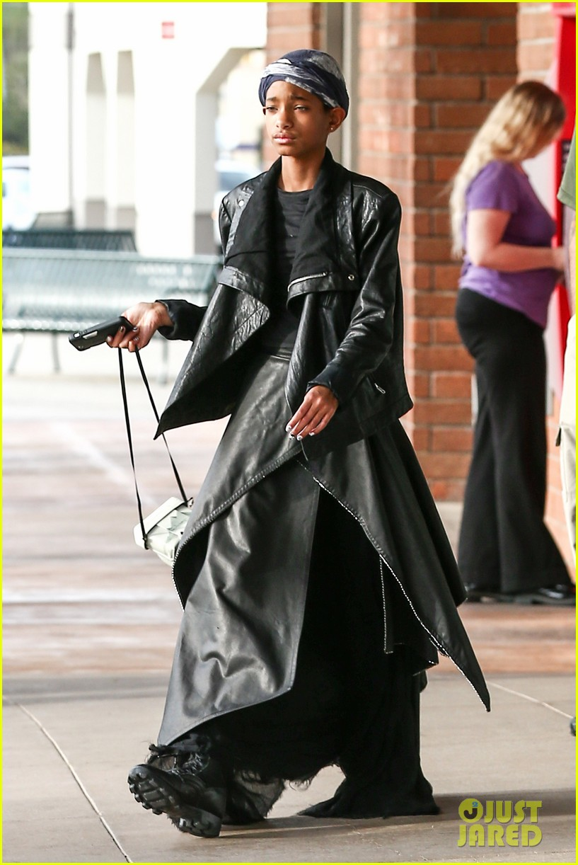 willow smith layers her leather 062797363