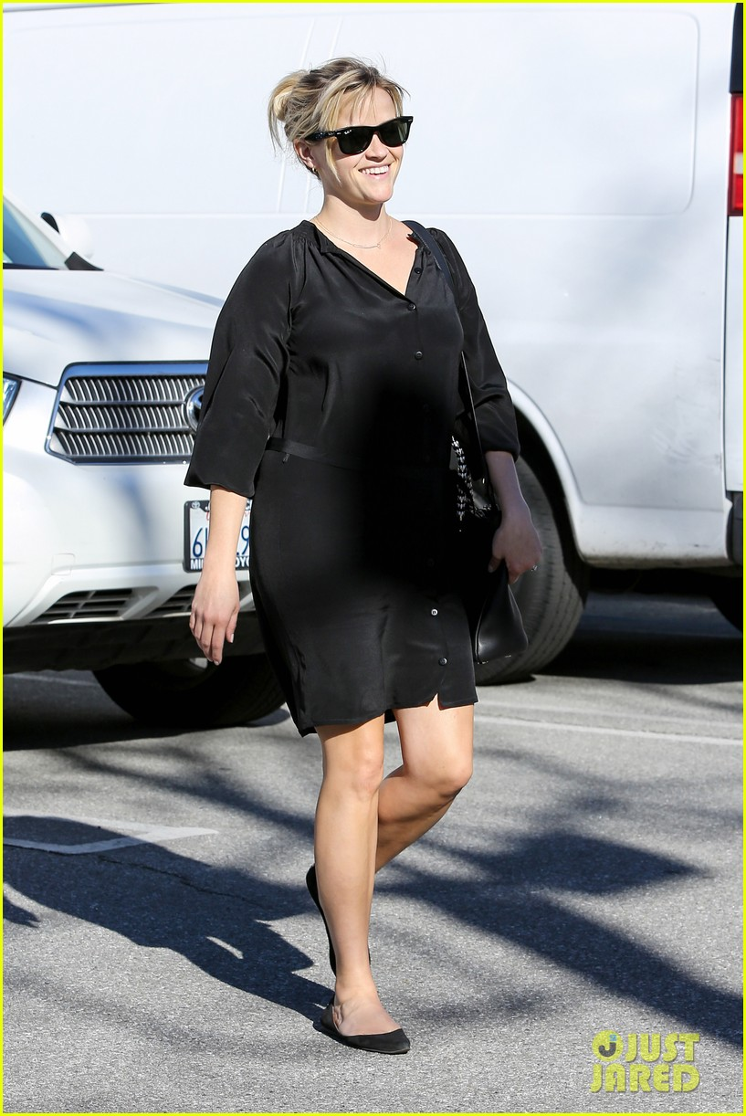 reese witherspoon sugarfish sushi lunch 01